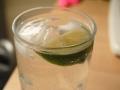 Lime och is i glas