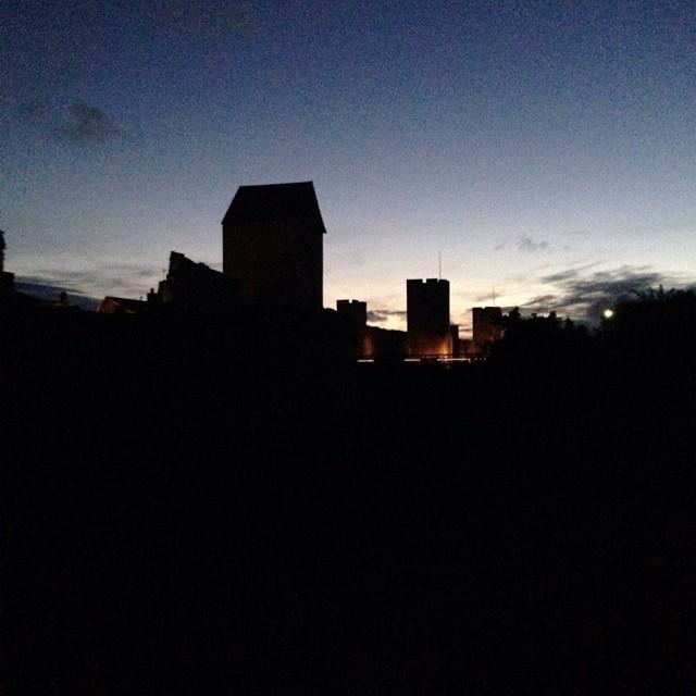 Nattliga äventyr vid muren